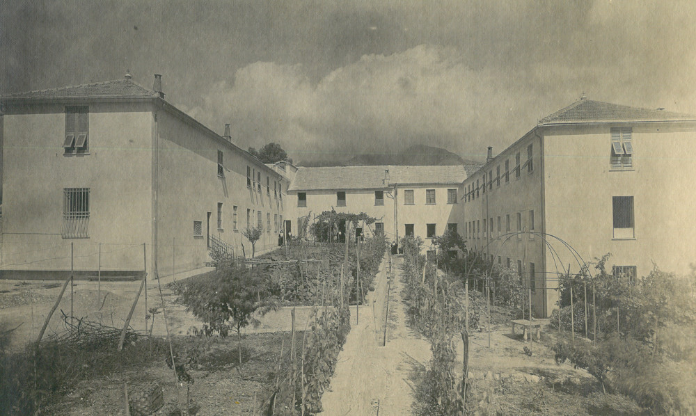 Loano Casa-madre foto 1