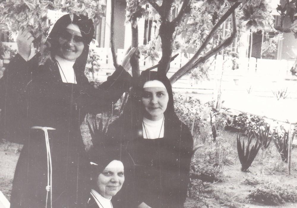 Le prime missionarie 1975
