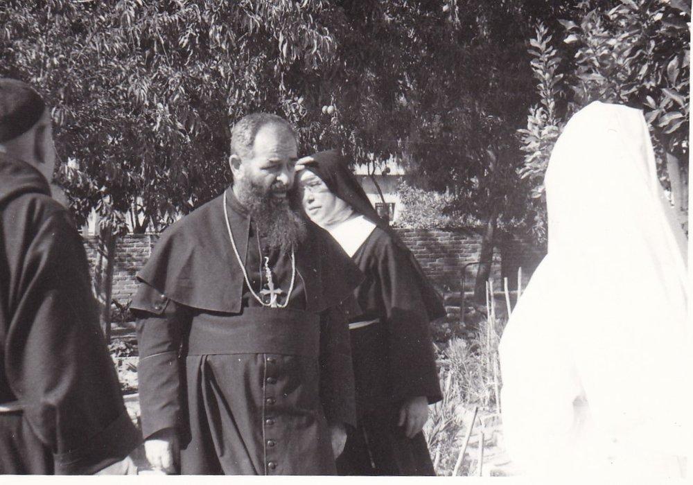 Saganeiti 1965. Mons. Testa e la Madre Luciana