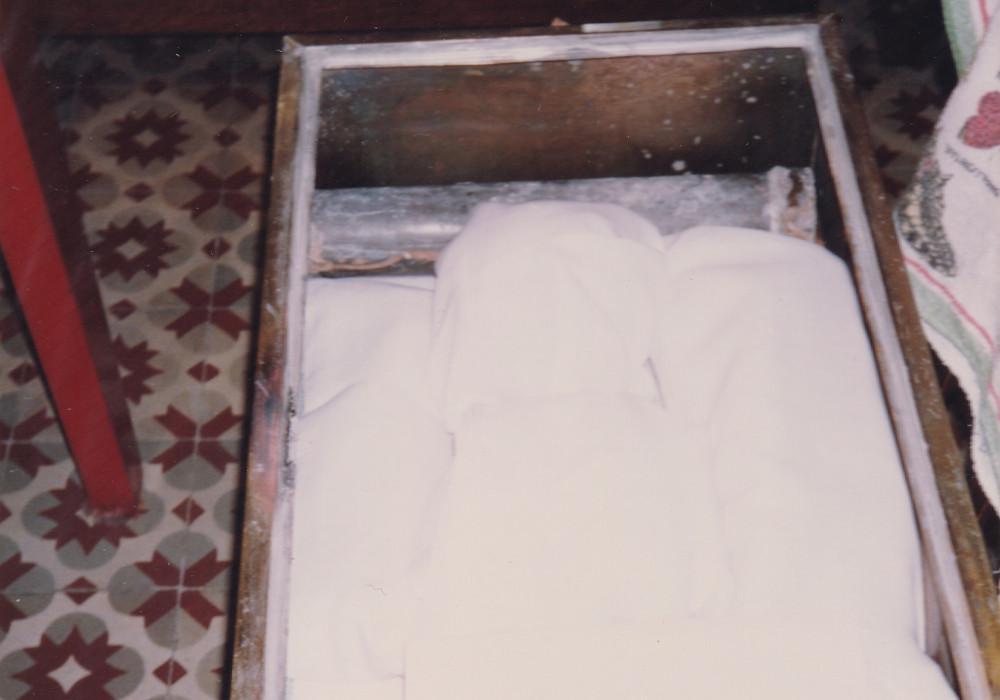 Montevideo 1993. I sacri resti sono riposti nella cassa