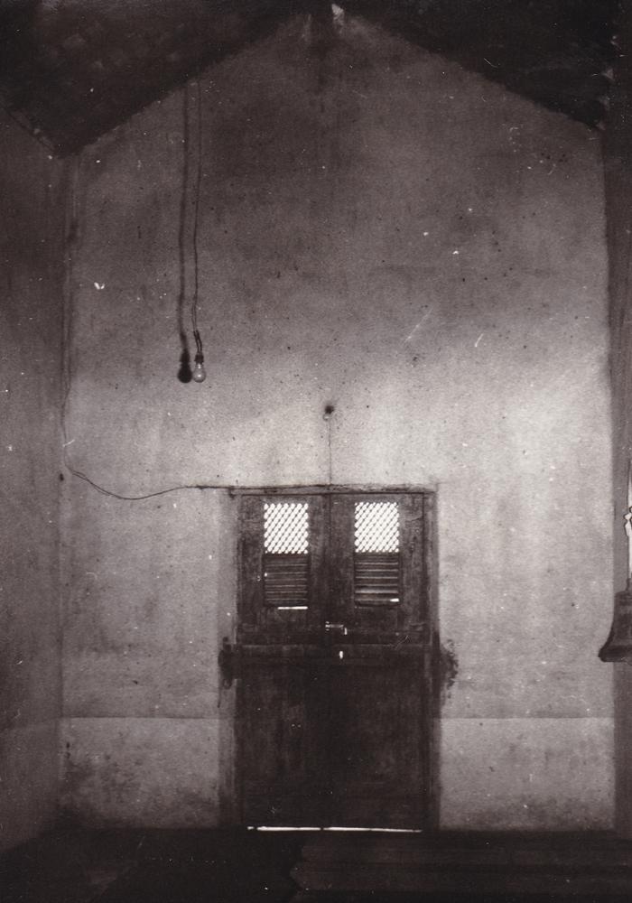 Porta della chiesetta (part. dell'interno)