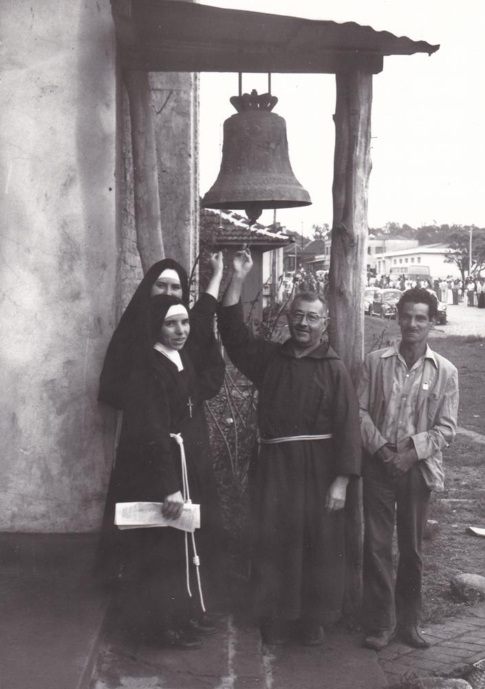 La campana delle Sorelle martiri ad Alto Alegre