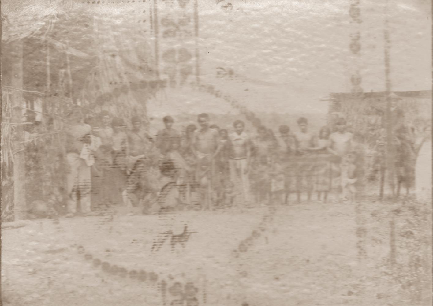 Un altro gruppo di giovani Cabocos che abitavano in Alto Alegre