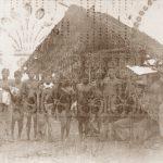 Il gruppo dei Cabocos complici del massacro: in basso a destra, in ginocchio, uno dei tre capi
